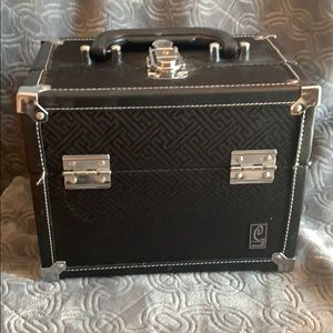 Caboodles train case cosmetics bag black lock keys